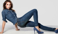С чем носить узкие джинсы