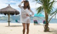 Пляжные платья и туники: разбираемся в актуальных и устаревших моделях