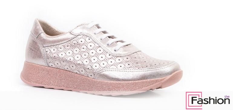 Модная летняя спортивная обувь